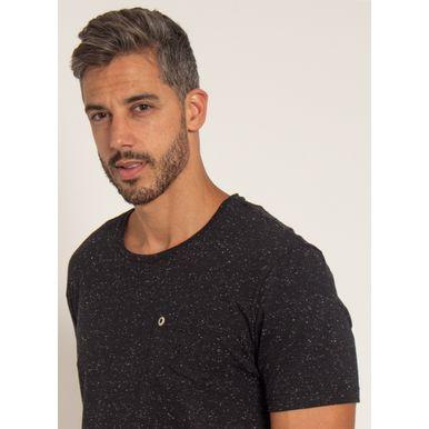 camiseta-aleatory-masculina-botone-com-bolso-preto-modelo-1-