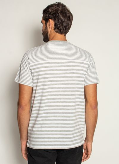 camiseta-aleatory-masculina-listrada-rum-modelo-cinza-2-