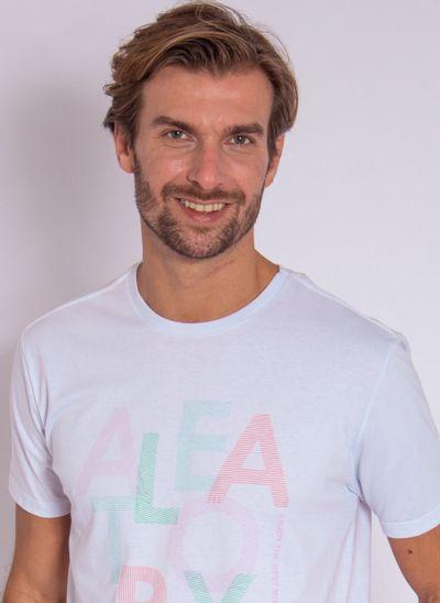 camiseta-aleatory-masculina-estampada-bestmoments-modelo-branco-1-
